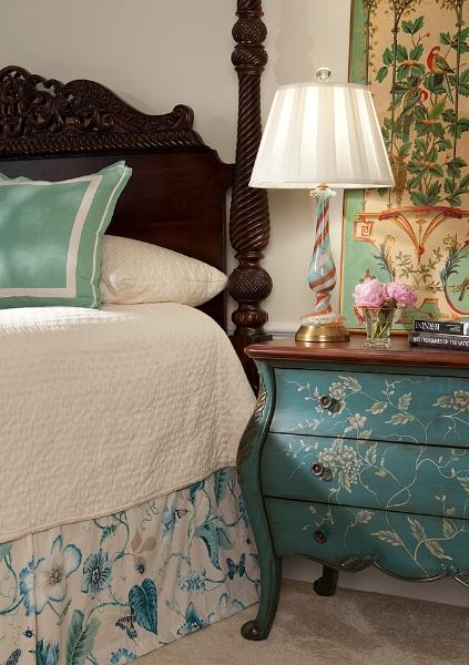 bedroom_side_table